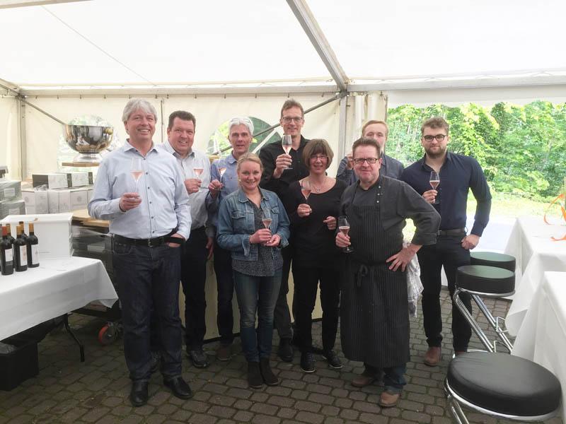 Das Team WeinGalerie mit Henri Bach